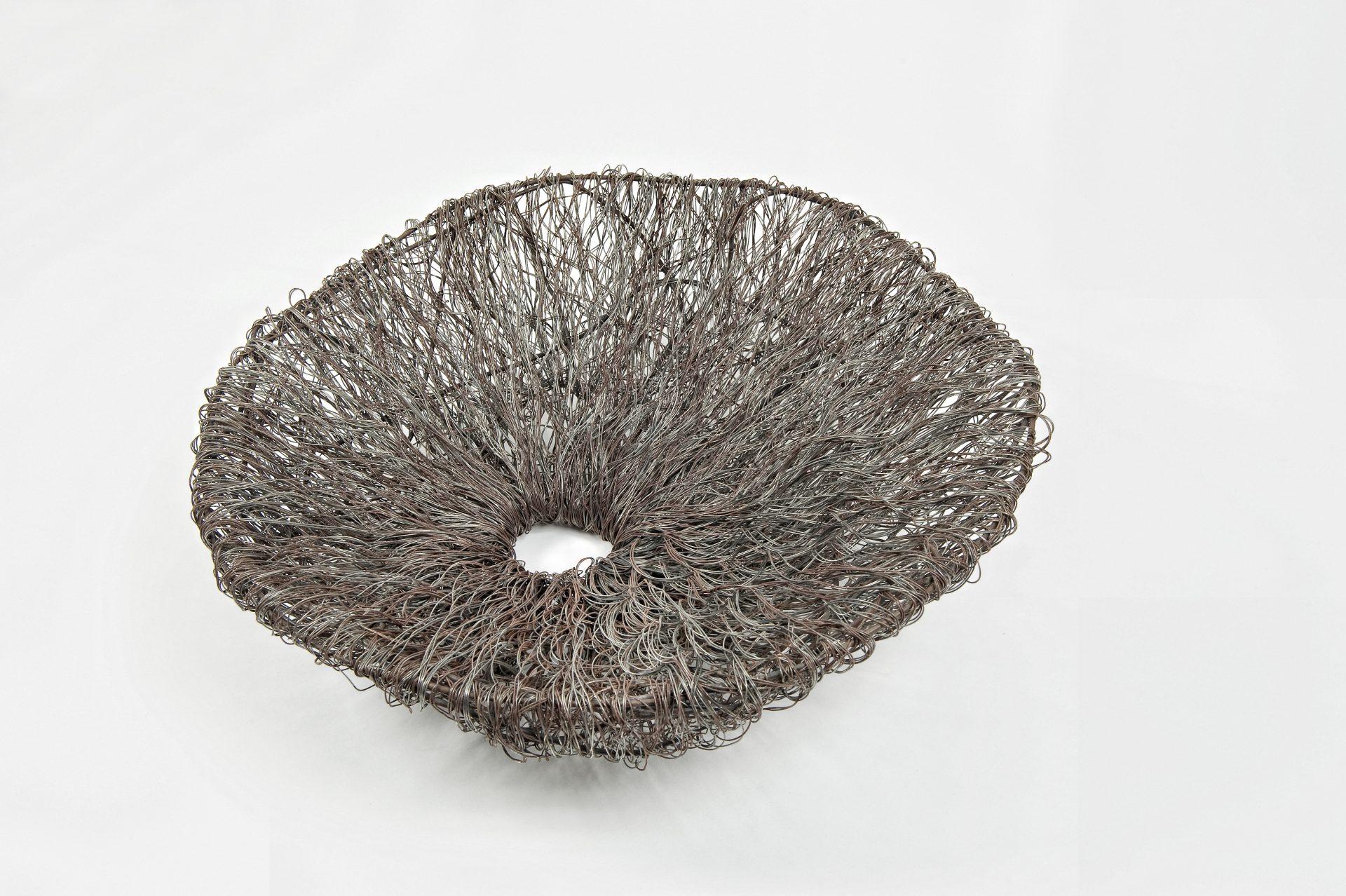 Gli oggetti del desiderio<br>DDR03<br><br>tecnica: filo di ferro dolce<br>anno: 2014<br><br>DISPONIBILE