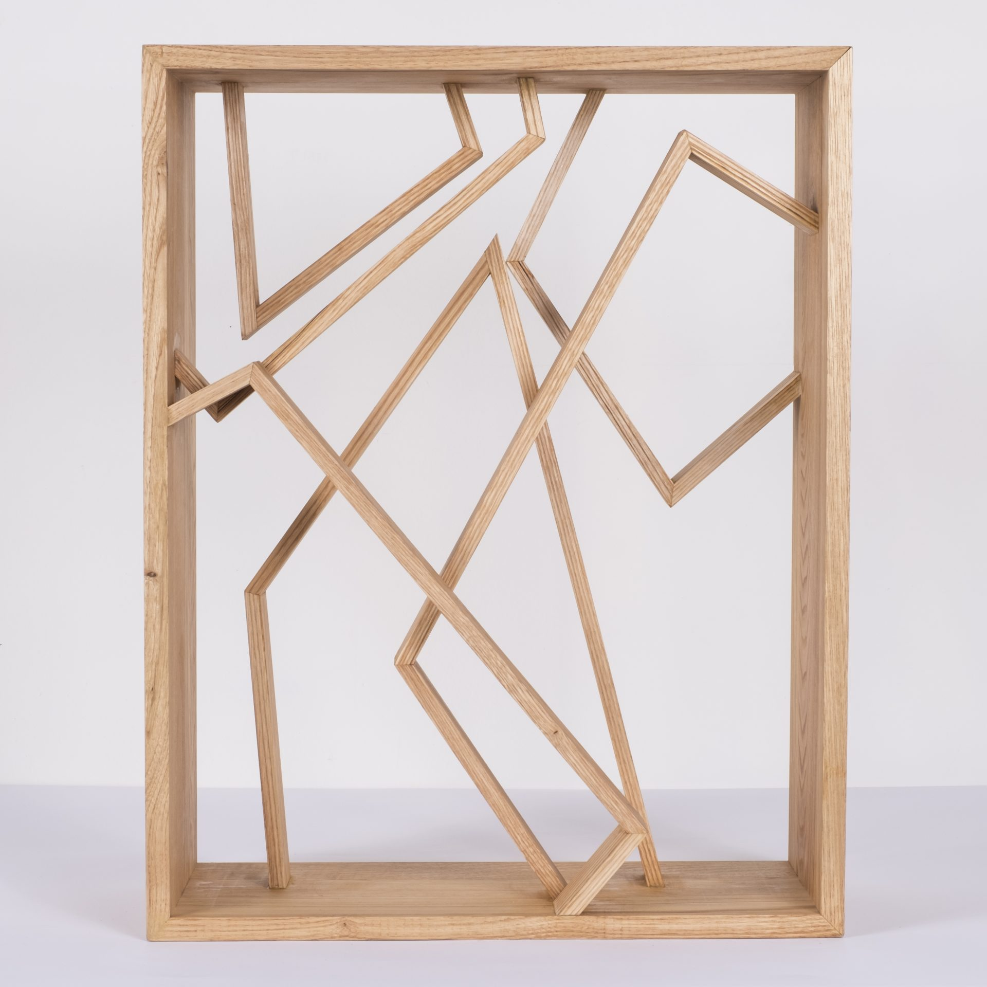 Unlimited in Dynamo<br>RMR25<br>misure: circa 44 x 56 cm<br>tecnica: legno castagno <br>anno: 2018<br>