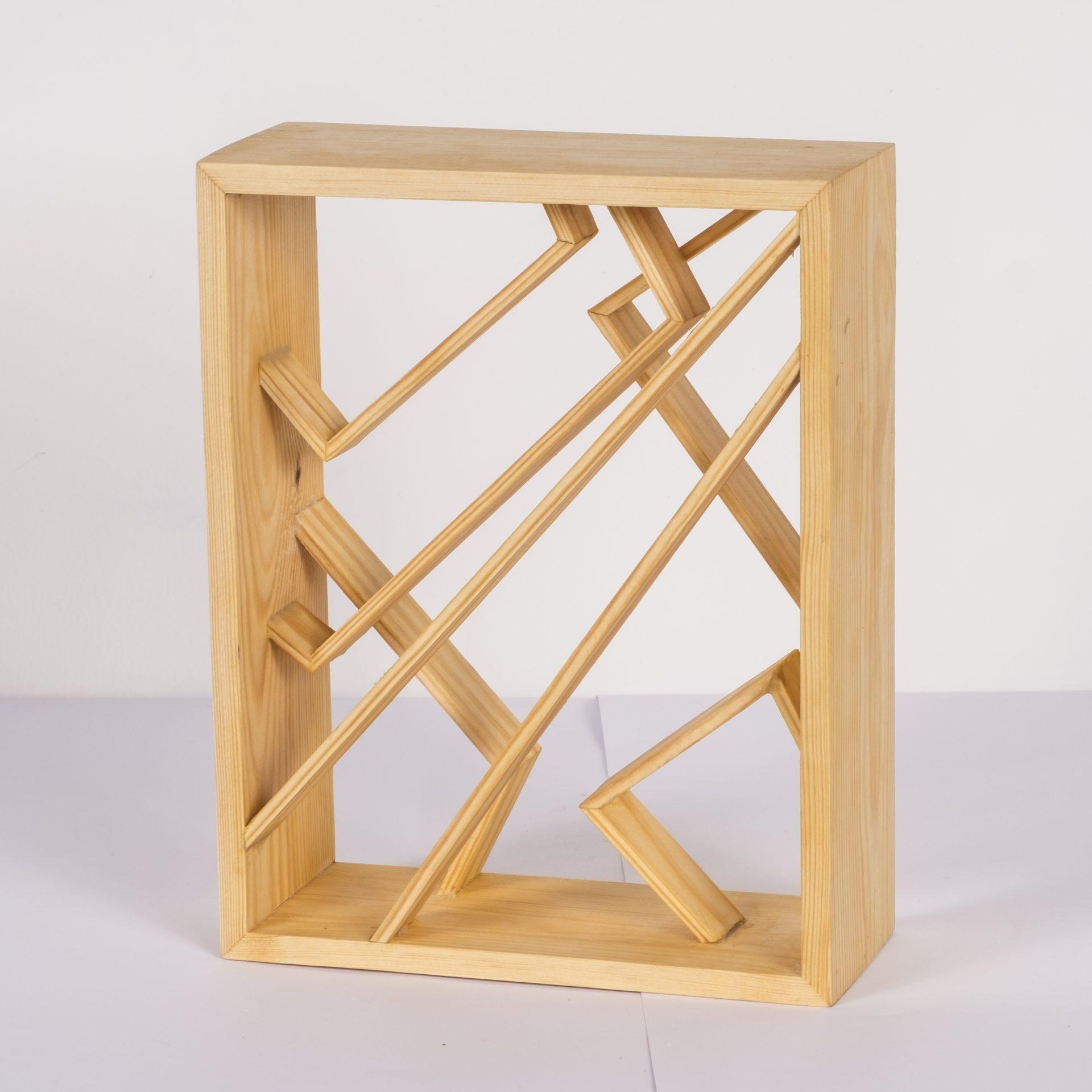 Unlimited in Dynamo<br>RMR30<br>misure: circa 28 x 22 cm<br>tecnica: legno pino <br>anno: 2018<br><br>DISPONIBILE