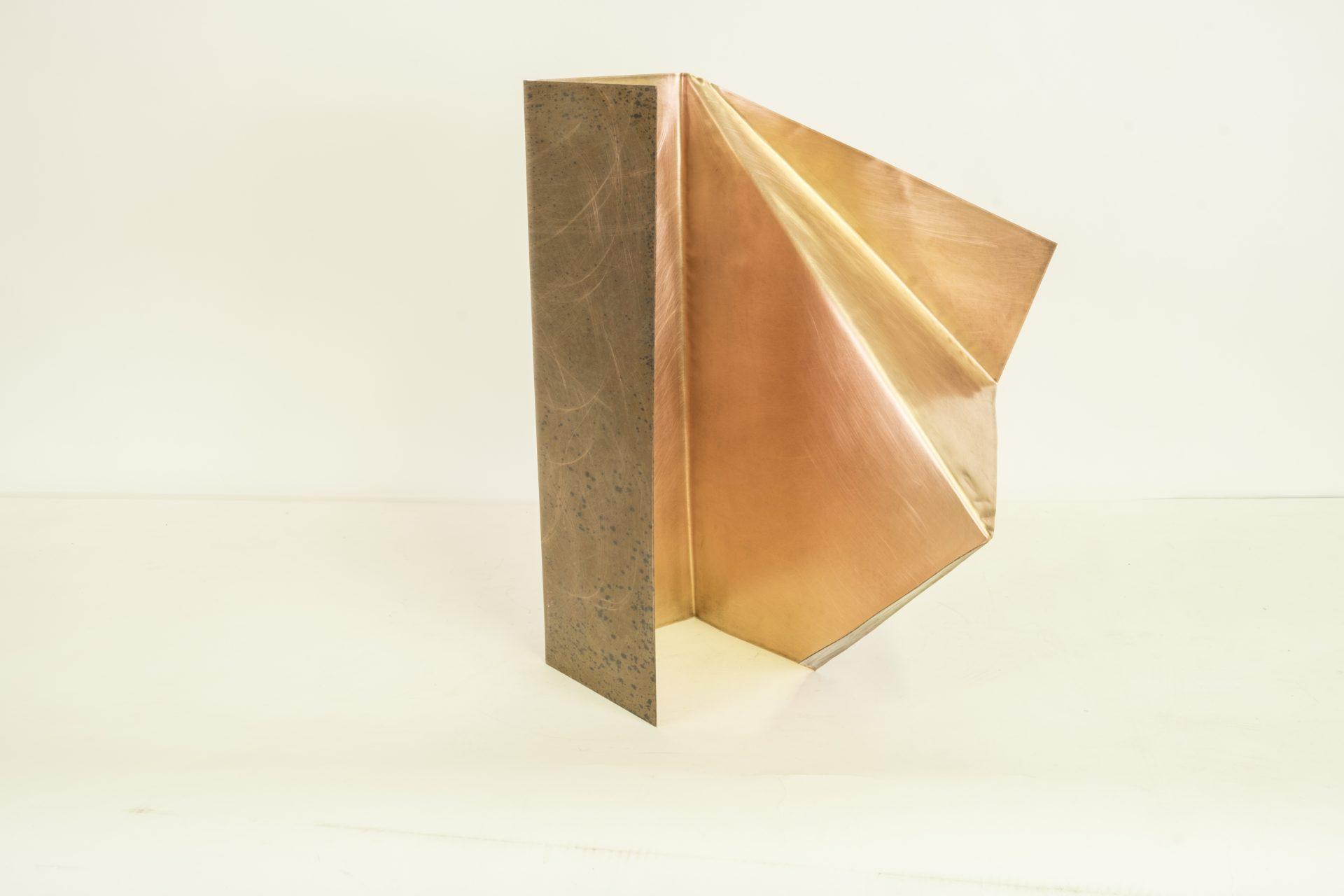 Genitori Forti<br>SPR04<br>misure: 34x52x40 cm<br>tecnica: scultura di rame<br>anno: 2018
