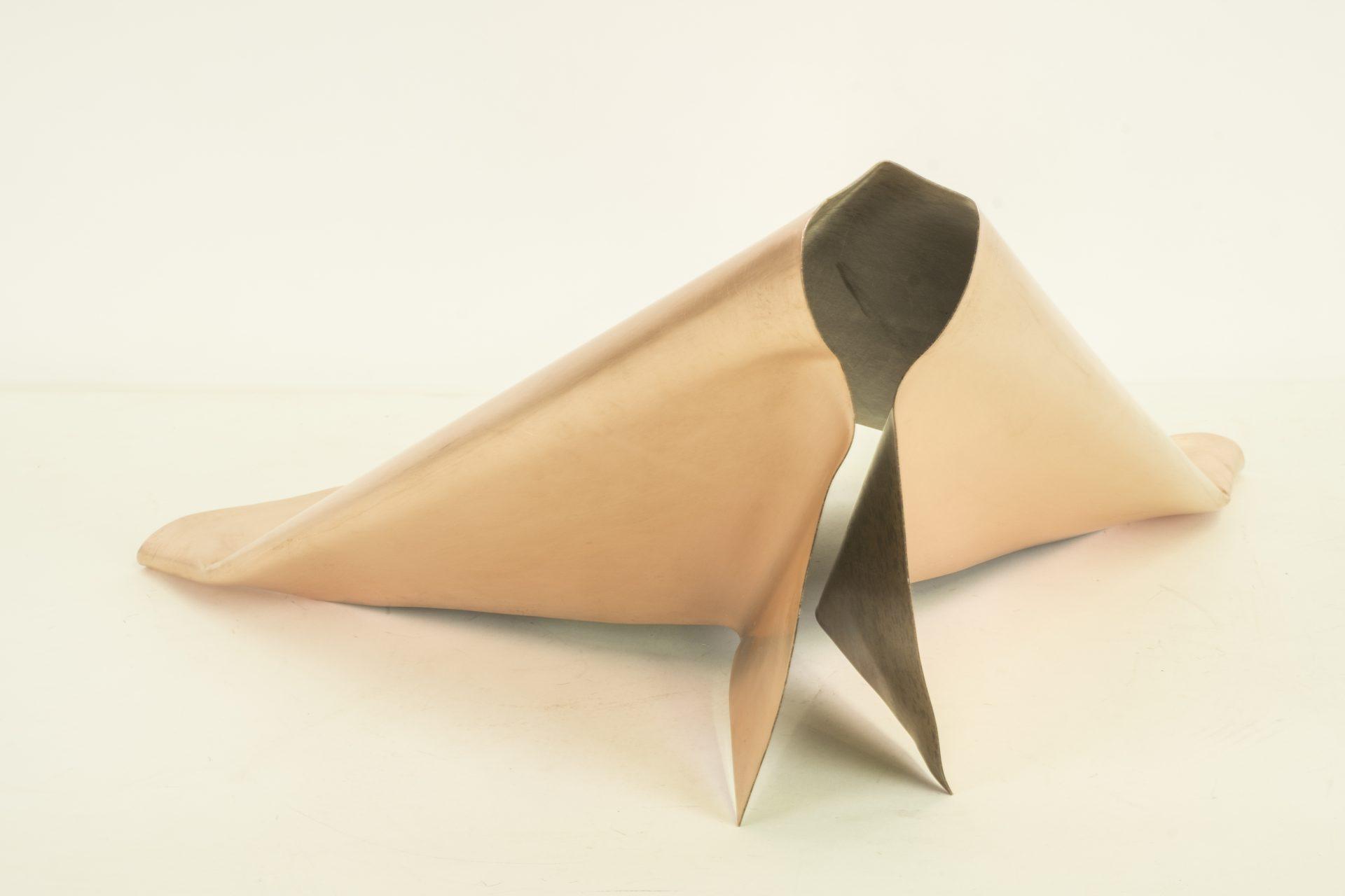 Genitori Forti<br>SPR08<br>misure: 64 x 50 x 28 cm<br>tecnica: scultura di rame<br>anno: 2018