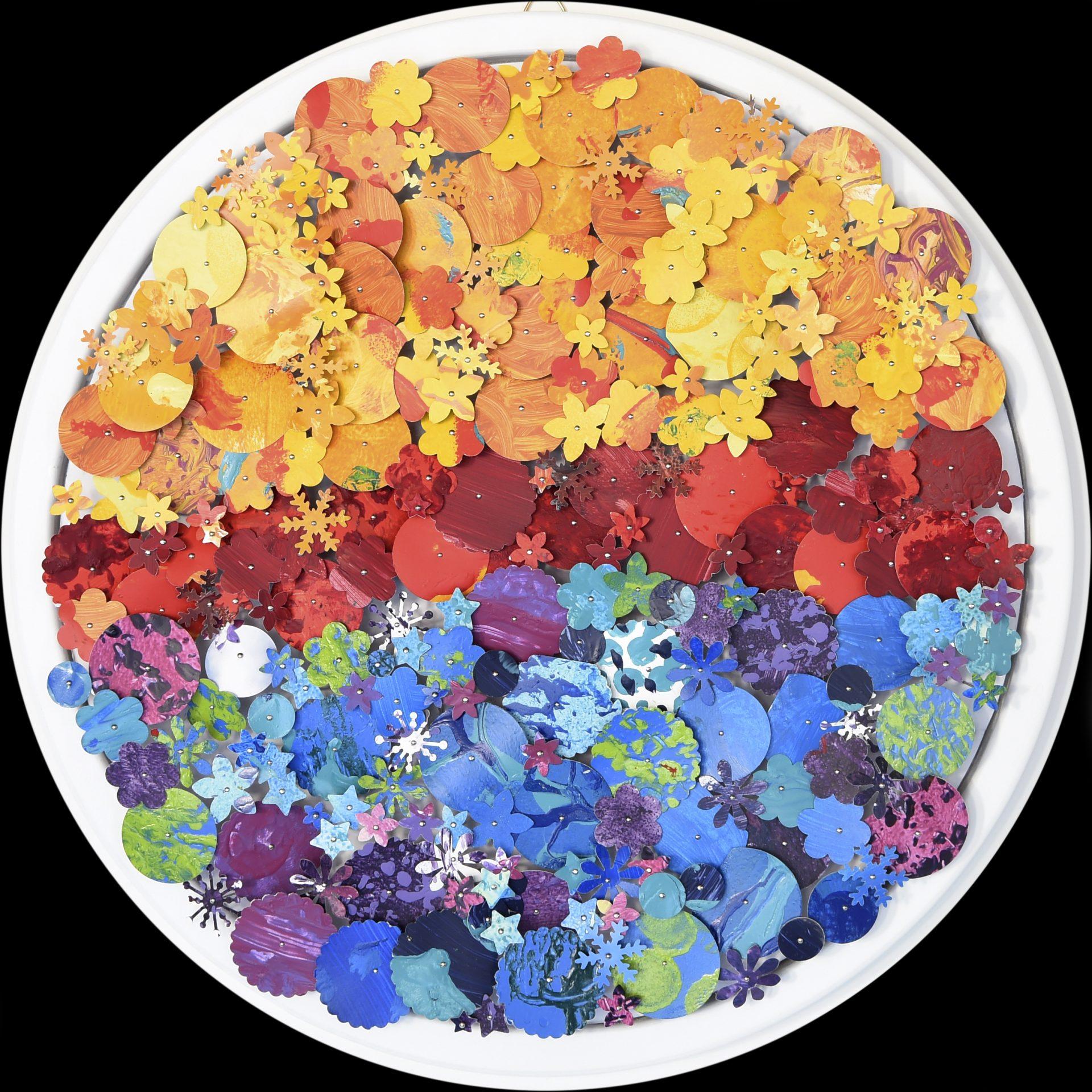Aggregazioni molecolari e piccole storie della natura - Particolare<br>MLTT07#01<br>misure: Ø 34 cm<br>tecnica: tasselli in pvc dipinti a acrilico su poliplat<br>anno: 2017<br><br>DISPONIBILE